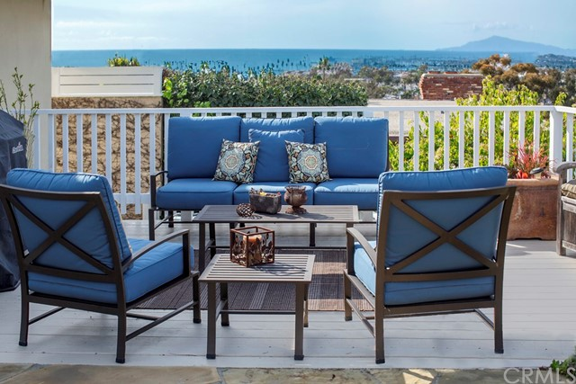 407 Mendoza Terrace Corona del Mar, CA 92625