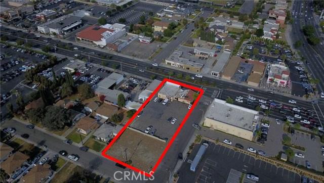 8740 Firestone Boulevard, Downey CA: http://media.crmls.org/medias/52daa2f3-101a-4dfc-832e-e16951ed0a16.jpg
