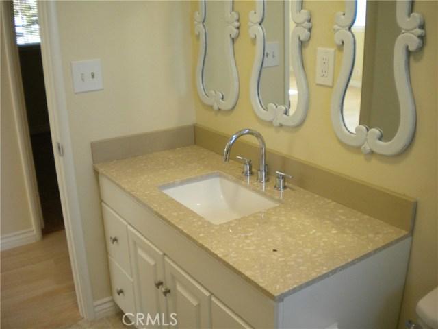 16321 Yucca Avenue, Victorville CA: http://media.crmls.org/medias/52dba92f-d8e3-4a9f-b5e3-dbecd8e82eb2.jpg