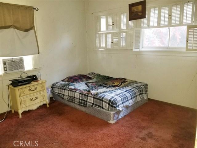 6024 Friends Avenue, Whittier CA: http://media.crmls.org/medias/52dd5e1e-b3da-4a42-ba86-972973bebd22.jpg