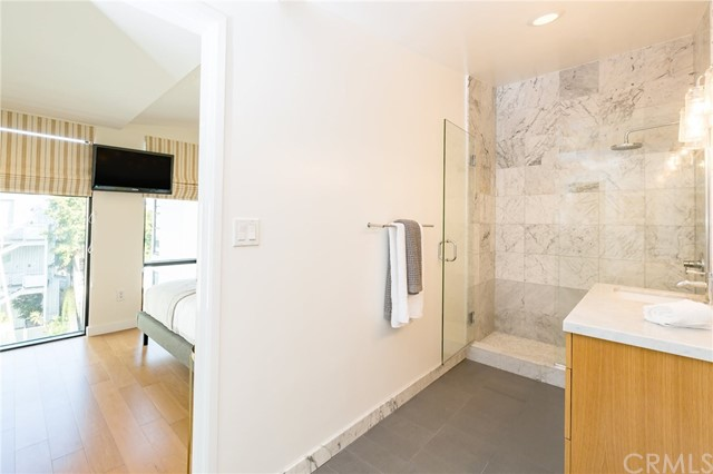 700 Main Street Unit 17 Venice, CA 90291 - MLS #: SB18035061