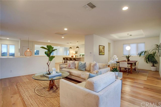 Single Family Home for Sale at California Coastal Contemporary home 2906 Pine Avenue Manhattan Beach, California,90266 United States