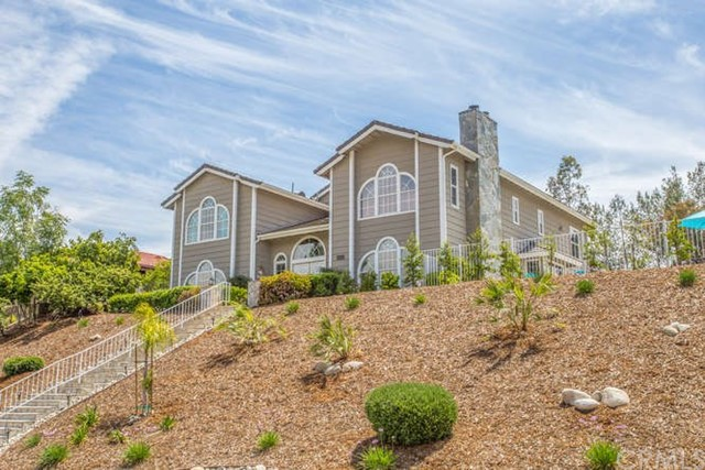 30617 Country Club Drive, Redlands CA: http://media.crmls.org/medias/52f126fd-78d3-4b14-8225-a6e81acbc84e.jpg