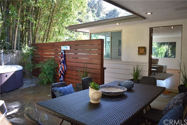 7228 Woodrow Wilson Drive, Hollywood Hills CA: http://media.crmls.org/medias/530b53cd-f575-4898-bf92-36a66879b082.jpg