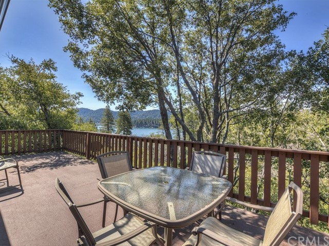 27905 WEST SHORE Road Lake Arrowhead, CA 92352 - MLS #: EV17162437
