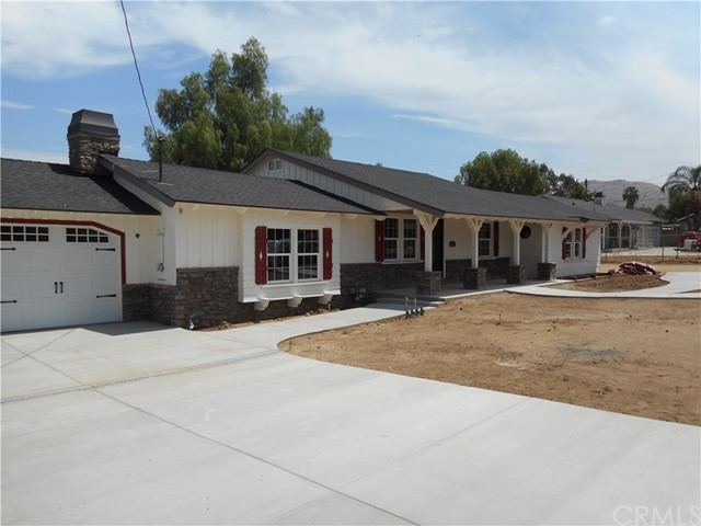 591 5th  Norco CA 92860