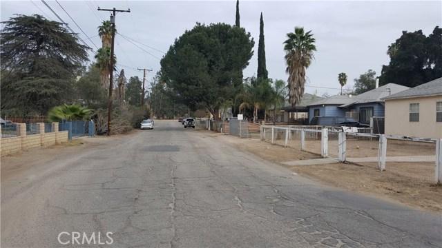 1317 Hillside Drive, San Bernardino CA: http://media.crmls.org/medias/5326867c-bf01-4fe4-9db1-8db9e76baf40.jpg
