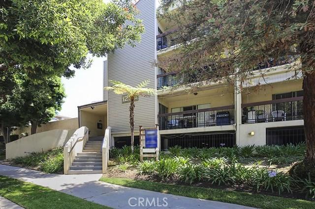 1236 Columbus Avenue, Glendale, California 91202, 2 Bedrooms Bedrooms, ,2 BathroomsBathrooms,Residential,For Sale,Columbus,BB19156554