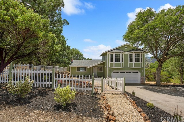 19433 Picture Point Court Hidden Valley Lake, CA 95467 - MLS #: LC18135469