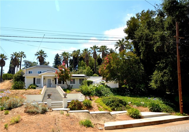 102 E Crescent Avenue Redlands, CA 92373 - MLS #: EV17154618