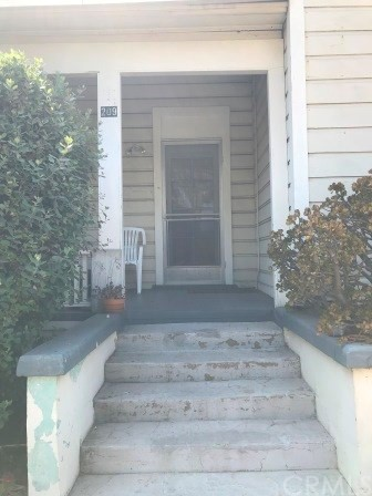 209 S Michigan Avenue, Pasadena CA: http://media.crmls.org/medias/5365a195-fe1d-47bf-839c-e0d2d3d03ac8.jpg