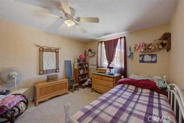 33385 Oak Glen Road, Yucaipa CA: http://media.crmls.org/medias/536d0f44-02c4-4925-b24a-75997b3e84ca.jpg