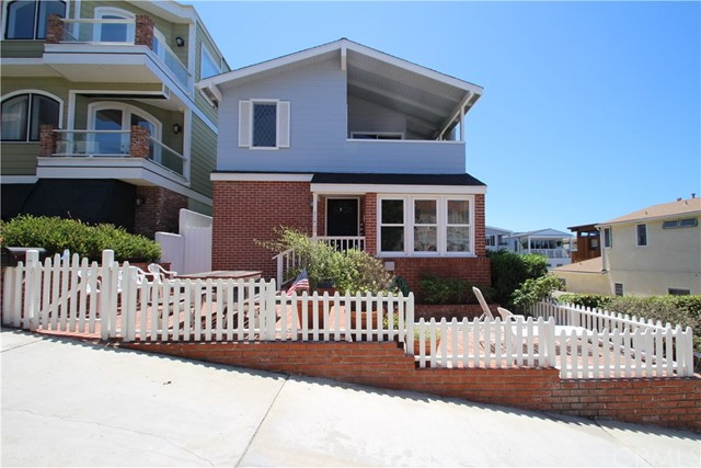 208 18th Manhattan Beach CA 90266