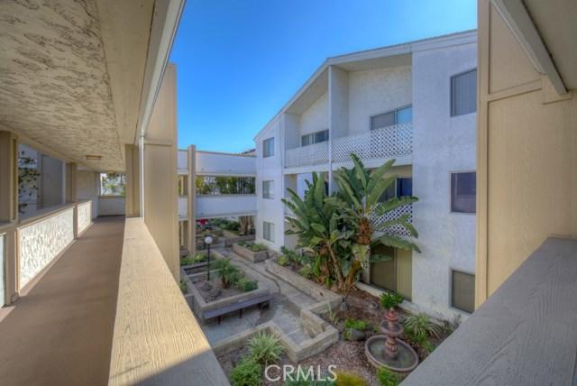 3565 Linden Avenue, Long Beach CA: http://media.crmls.org/medias/538b30ca-6b96-4c40-8a16-d5a00ed675f1.jpg