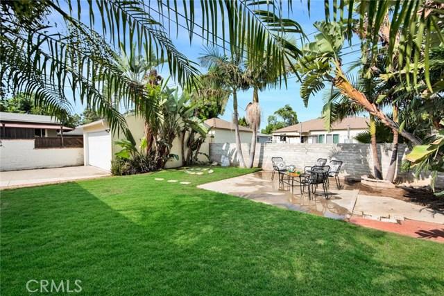 1606 N Rosewood Avenue, Santa Ana CA: http://media.crmls.org/medias/53951e3d-5e68-48b5-8f3a-bf38ed72cd47.jpg