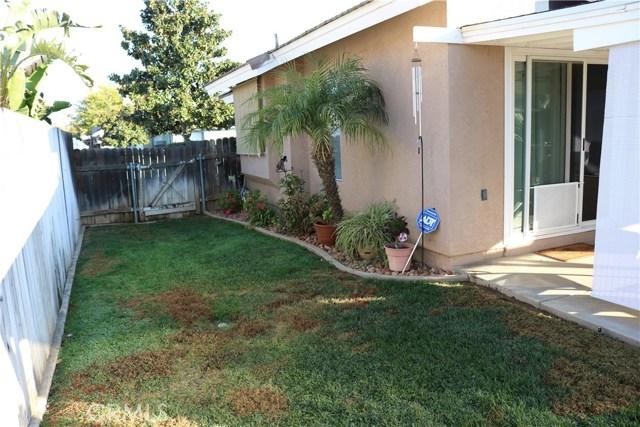 359 Flordason Drive, Calimesa CA: http://media.crmls.org/medias/53a2c56d-54fa-4afd-bcbc-2e697904fabf.jpg
