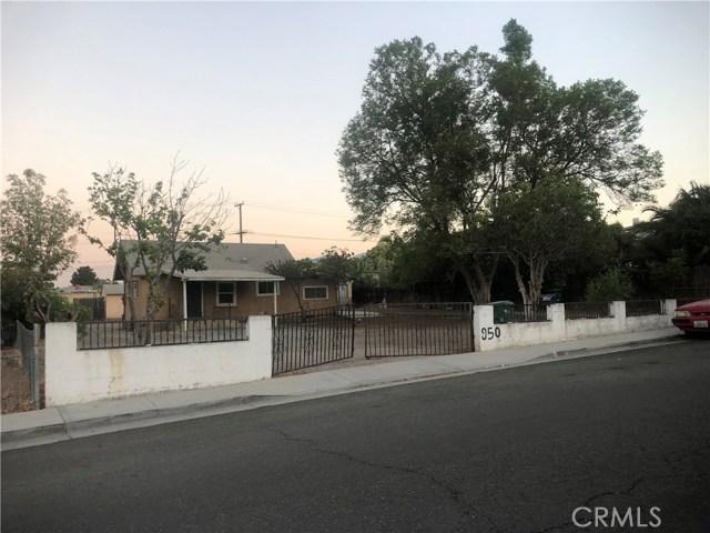 950 Beverly Road, Corona CA: http://media.crmls.org/medias/53a3c15b-6de5-4ad8-8d2b-be5ee41e9bab.jpg