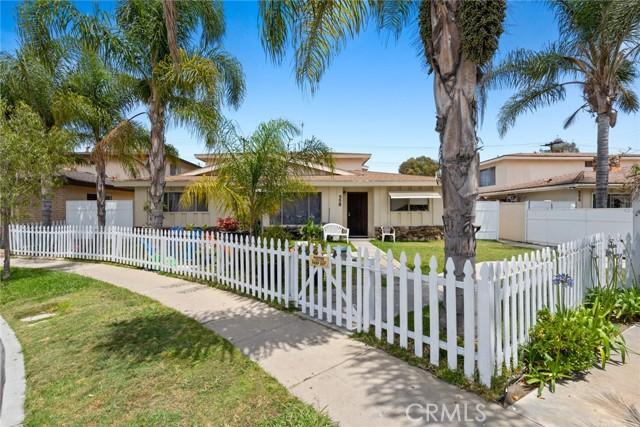 558 Joann Street, Costa Mesa CA: http://media.crmls.org/medias/53b6216d-eff5-4230-8c4a-467a91de43d3.jpg