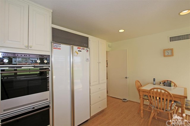 45878 Algonquin Circle, Indian Wells CA: http://media.crmls.org/medias/53b9a6f1-1a95-49d6-a001-3a33a04f6f6e.jpg