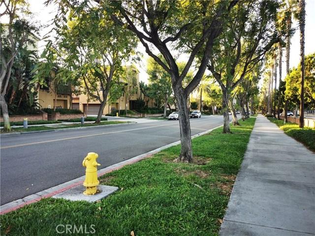 地址: 99 Winding Way, Irvine, CA 92620