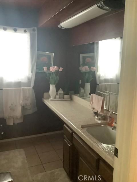 6904 Ranch House Road, Bakersfield CA: http://media.crmls.org/medias/53bf990c-0f15-4daa-b388-def27c208370.jpg