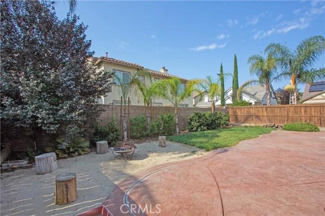 28295 Adrienne Street, Murrieta CA: http://media.crmls.org/medias/53c72f40-a9d3-444d-b29d-0b60c9175f45.jpg