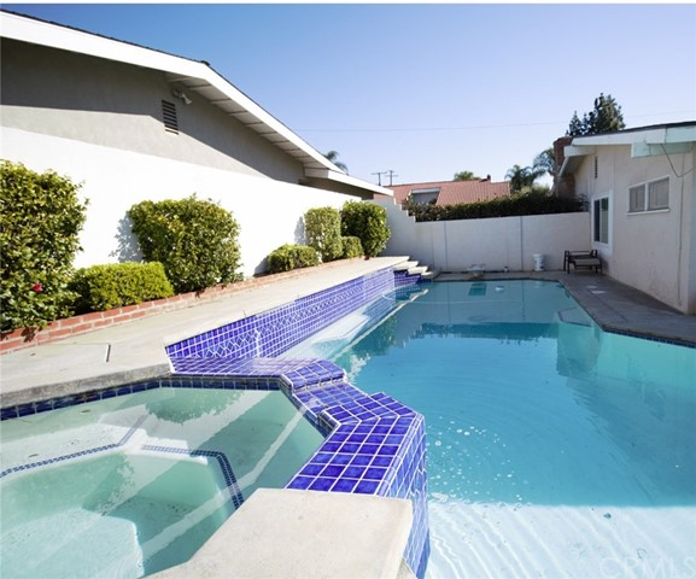 5381 Kenwood Avenue, Buena Park CA: http://media.crmls.org/medias/53cf1044-f083-4303-a944-bcc4c3cd500b.jpg