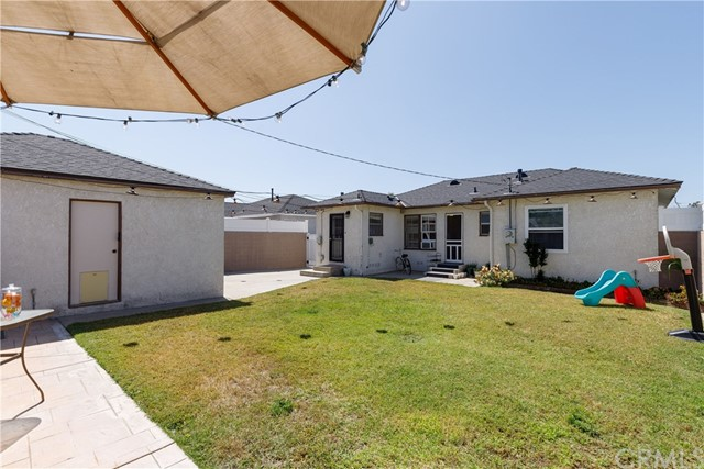 6017 Eberle Street, Lakewood CA: http://media.crmls.org/medias/53d1fa7c-3055-40a8-9d0e-bd180cf53d45.jpg