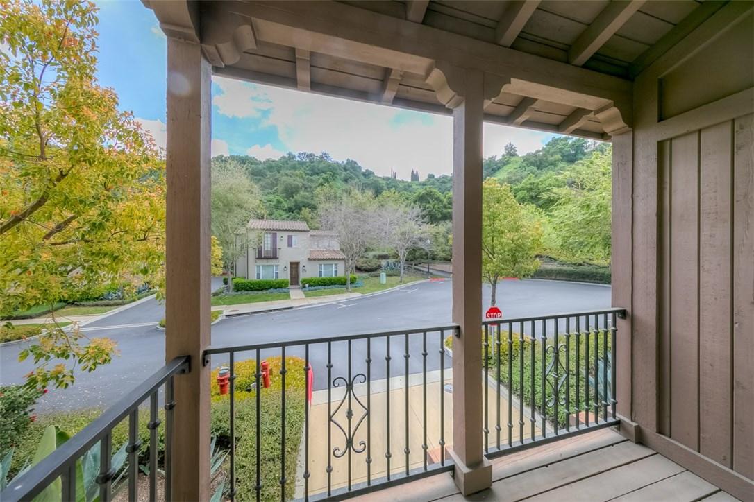 923 Terrace W Lane, Diamond Bar CA: http://media.crmls.org/medias/53d36c74-4b2b-4cd5-8288-239cf810ed87.jpg