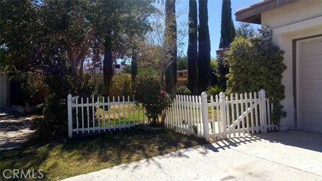 42205 57th W Street, Quartz Hill CA: http://media.crmls.org/medias/53de40e3-d425-4af1-b62b-3c0ed603380c.jpg