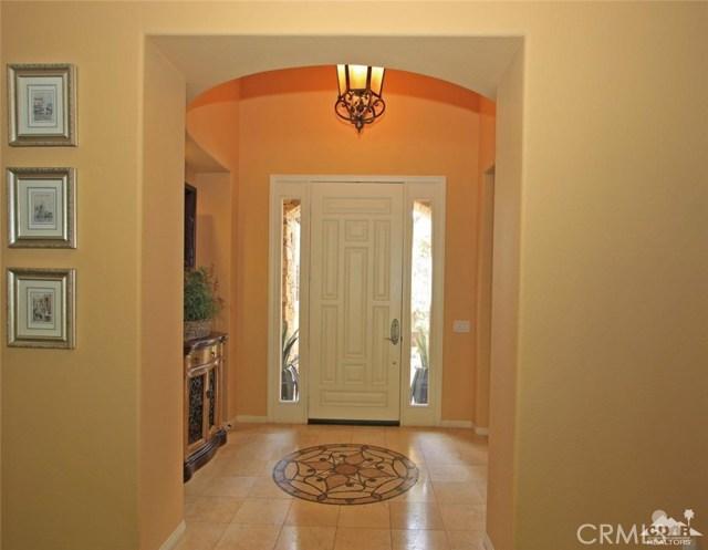 46180 Cypress Estates Court, Palm Desert CA: http://media.crmls.org/medias/53e5e9e2-e26d-40d6-aa6b-7be26e636929.jpg
