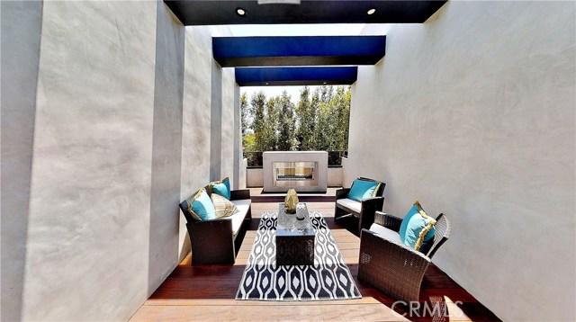 607 N Curson Avenue, Los Angeles CA: http://media.crmls.org/medias/53ef4a31-68f2-4a05-bfed-a03644ff1163.jpg