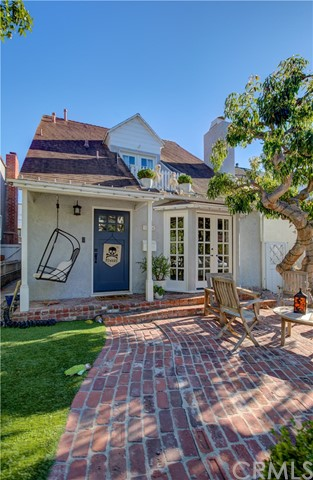 544 4th Street, Manhattan Beach, California 90266, 3 Bedrooms Bedrooms, ,2 BathroomsBathrooms,Single family residence,For Sale,4th,SB19250354