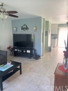 7304 Richfield Street, Paramount CA: http://media.crmls.org/medias/53f4280b-7903-41cd-810d-9e111d9cdbf3.jpg