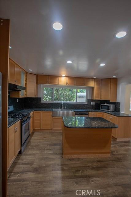 10230 Brookshire Avenue, Downey CA: http://media.crmls.org/medias/5403b82a-c3b2-4dad-9e5d-4c4af8063d38.jpg