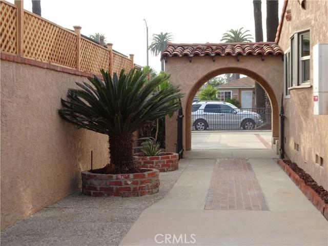 2474 Maine Avenue, Long Beach CA: http://media.crmls.org/medias/540ae63b-36f5-4372-8d4f-e130986523ca.jpg