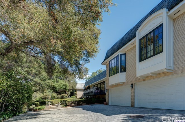 874 Highland Drive, La Canada Flintridge CA: http://media.crmls.org/medias/540fde6b-80ab-4878-9725-08955d806116.jpg