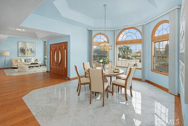 房产卖价 : $180.00万/¥1,238万