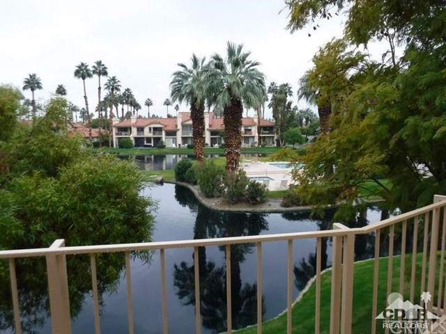 54493 Tanglewood, La Quinta CA: http://media.crmls.org/medias/541e5e96-2ef9-4631-8466-7f7fe83360e2.jpg