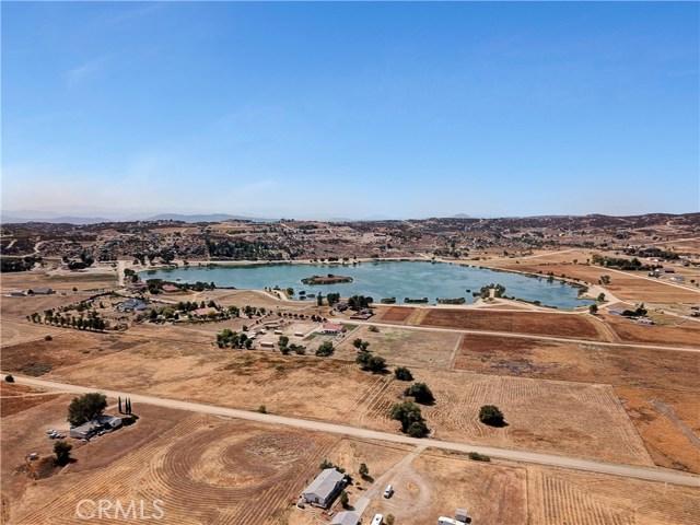 448 Comanche, Aguanga CA: http://media.crmls.org/medias/54332ac0-a640-45e7-a213-7eadc8093515.jpg
