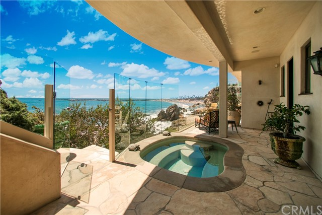 独户住宅 为 销售 在 3619 Ocean Boulevard 纽波特比奇, 92625 美国