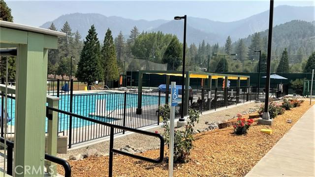 16425 Huron Drive, Pine Mountain Club CA: http://media.crmls.org/medias/544513c2-b3a7-48f3-8b77-5cf61264d138.jpg