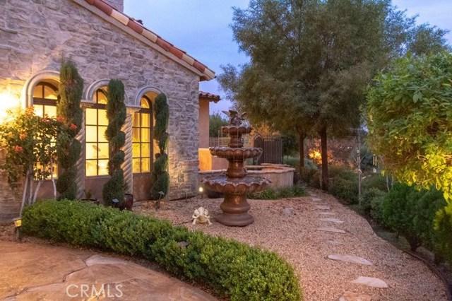 25381 Oakview Estate Drive, Stevenson Ranch CA: http://media.crmls.org/medias/544bf982-06e7-430b-afd0-1588e4f9528c.jpg