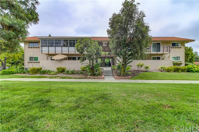 One of Laguna Woods 2 Bedroom Homes for Sale at 2237  Via Puerta