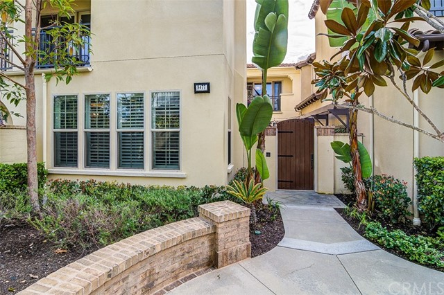 8477  Hibiscus Circle, Huntington Beach, California