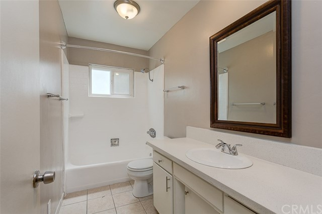 865 W Huntington Drive, Arcadia CA: http://media.crmls.org/medias/545a6750-ad8c-481a-b70a-a2b855d4a926.jpg