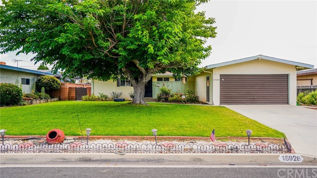 Detail Gallery Image 1 of 20 For 15928 Jalon Rd, La Mirada, CA 90638 - 3 Beds | 2 Baths