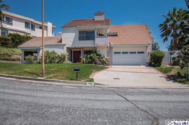 Single Family Home for Rent at 1961 Rimcrest Drive Glendale, California 91207 United States