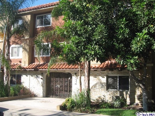 Condominium for Sale at 3220 Altura Avenue Glendale, California 91214 United States