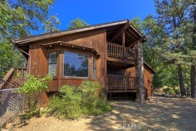 Casa Unifamiliar por un Venta en 9350 Venturi Drive Cobb, California 95426 Estados Unidos